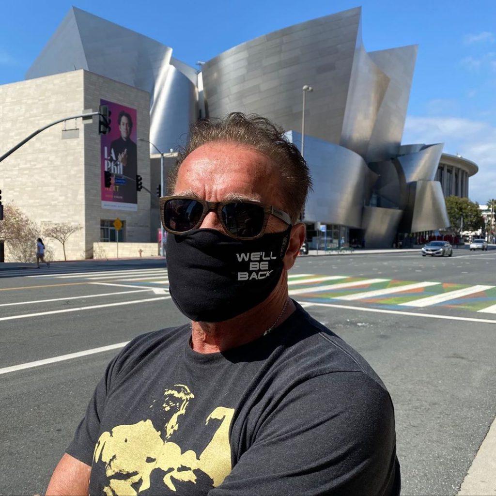 Arnold Schwarzenegger compartió su rutina de ejercicios y reveló un truco de elasticidad -